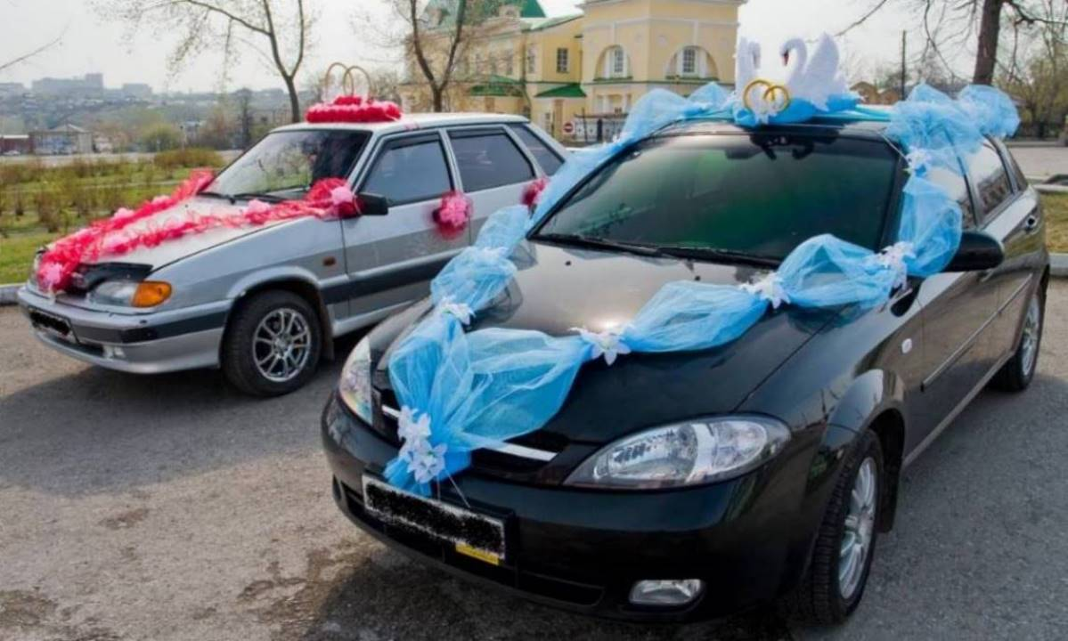 Украшения для свадебной машины капот фото
